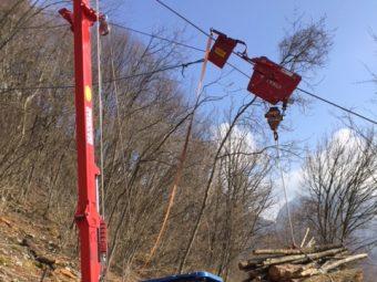 Sistem funicular Maxwald: Eficient și deosebit de ergonomic pentru transportul lemnului pe teren abrupt